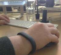 Jawbone UP helps users track health habits